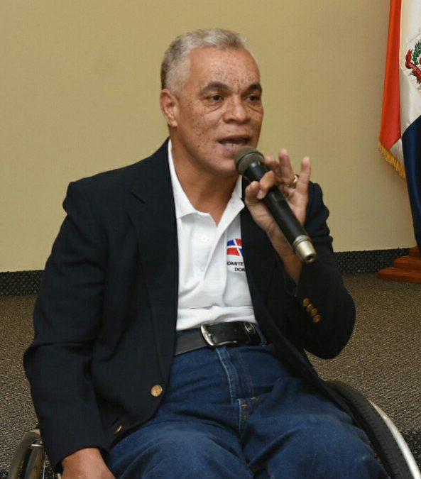 Ministro Díaz recibe atletas Paralímpicos