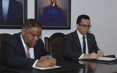 Díaz y Navarro firman convenio
