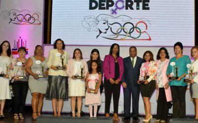 Miderec reconoce a 17 mujeres ejemplares del Deporte