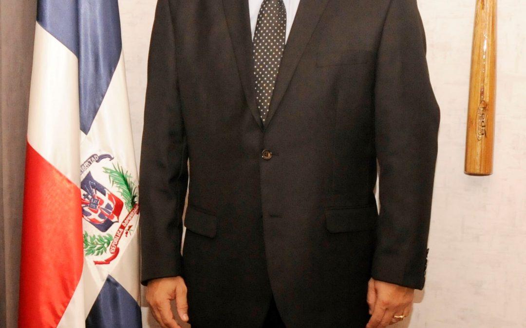 Ministro Camacho lamenta fallecimiento Adriano Abreu