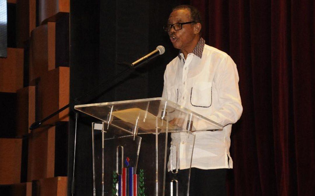Morrison describe Memorias de los XIV Juegos Nacionales