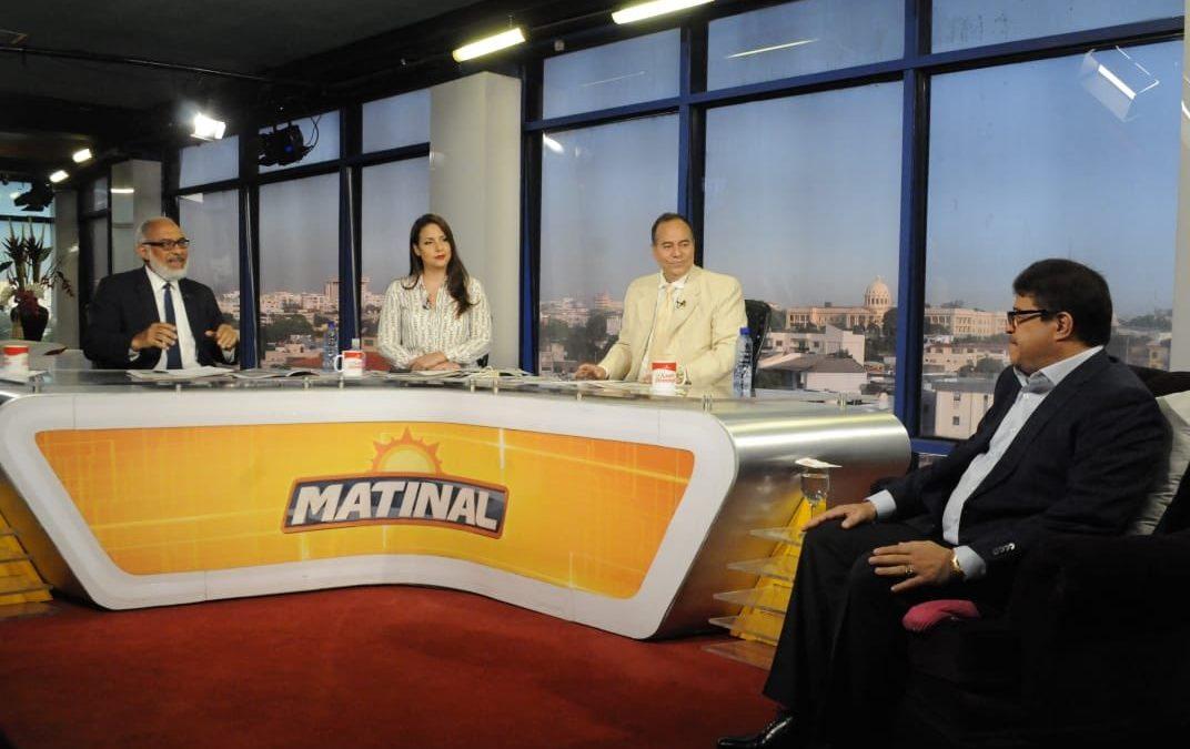"""Entrevista al Ministro de Deportes Francisco Camacho en el programa """"Matinal"""" del Grupo de Medios Telemicro."""