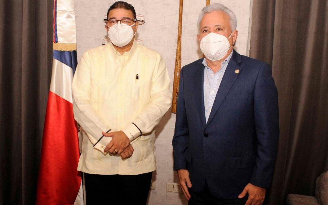 El senador Taveras visita a Camacho para brindarle su respaldo