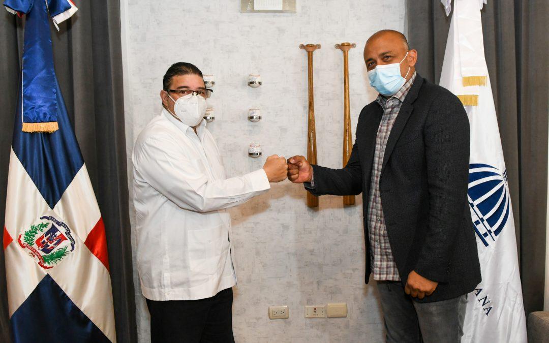 El ex Grandes Ligas Carlos Guillén le presenta un proyecto al ministro Camacho en favor de la juventud