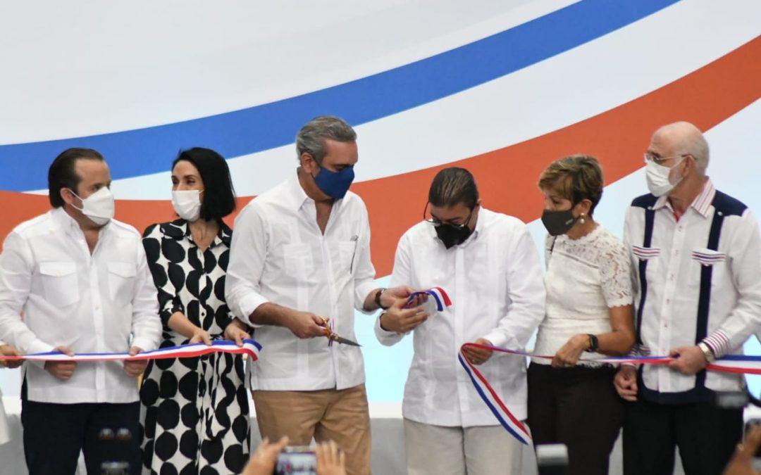 Abinader entrega a Puerto Plata el remodelado polideportivo Fabio Rafael González