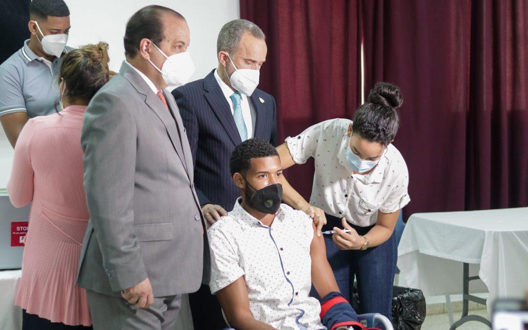 Los atletas que asistirán a Tokio reciben segunda dosis de vacuna